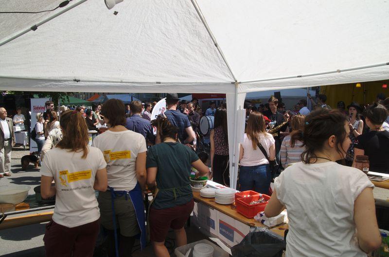 Crepe-Stand der Südwind Aktivisten und Aktivistinnen