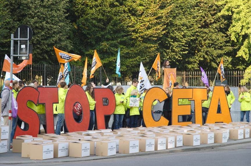 CETA stoppen | Demo zu CETA im MinisterInnenrat