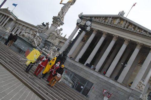 SUPPLY CHA!NGE – Make Supermarkets Fair: vor dem Österreichischen Parlament